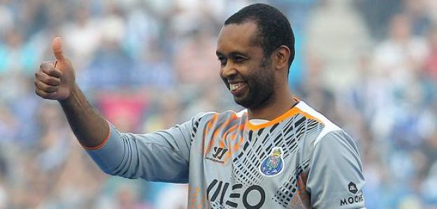 Helton continuará no Porto por ao menos mais duas temporadas