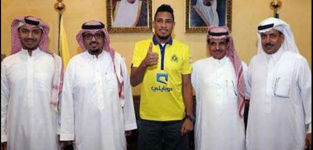 Apresentado há um mês no Al Nassr, Hernane ainda não teve o passe pago