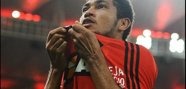 O Flamengo ainda não recebeu nenhum centavo dos árabes pela venda do atleta