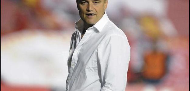 O treinador estava trabalhando nos Emirados Árabes, desde 2011