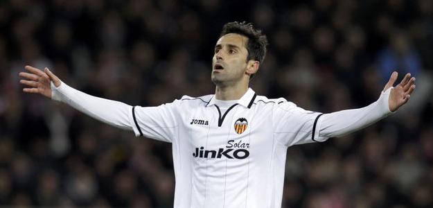 Atacante deixa clube espanhol após três anos e poderá assinar com qualquer outro