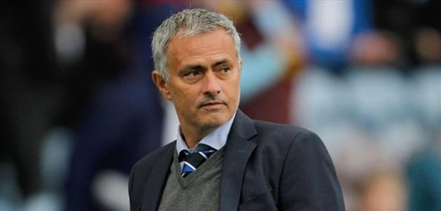Mourinho nega boatos de retorno ao Real Madrid