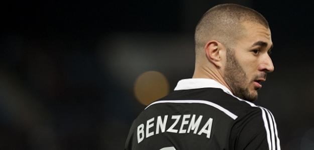 Atacante corre o risco de perder espaço no time de Rafa Benítez