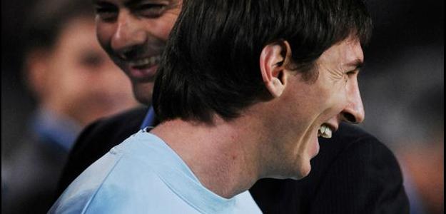 A suposta transferência de Messi para o Chelsea teria influência de Fábregas