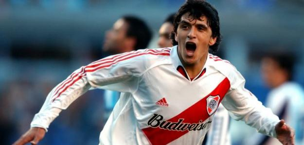 Lucho González chega para a sequência da Libertadores