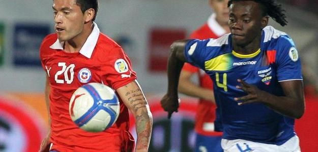 Titular da seleção chilena, o zagueiro retornará ao Chile