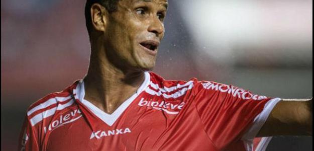 Rivaldo lembra estar na Primeira Divisão do Paulista e Segunda no Brasileiro
