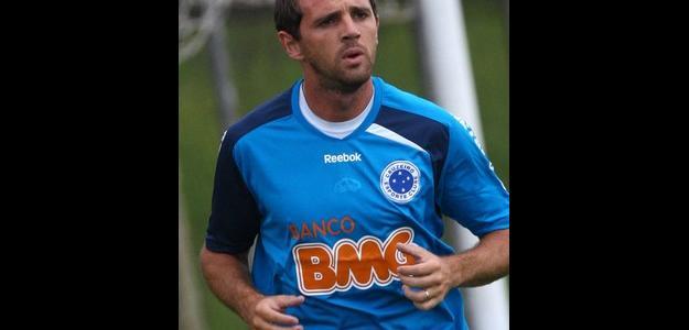 Corinthians diz que desistiu da contratação de Montillo