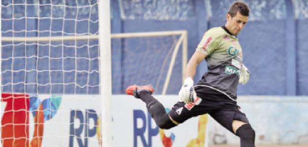 Jhonatan teve destaque na sétima rodada do Campeonato Paranaense, quando protagonizou um lance raro no futebol