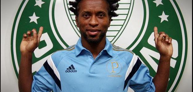 Zé Roberto assinou por um ano com o Palmeiras