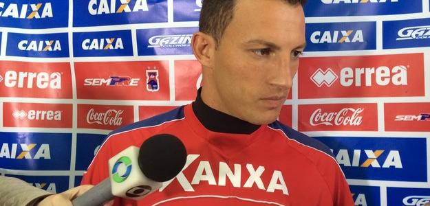 Zagueiro Gustavo encerrou vínculo com o Paraná