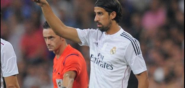 Chelsea pode ter o volante Khedira e repassar Peter Cech ao Real Madrid