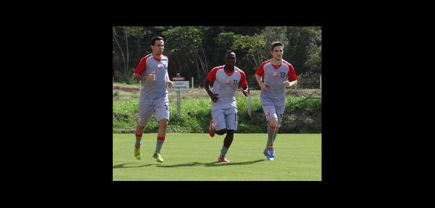 Luizinho, Sassá e Vítor já treinam no Náutico