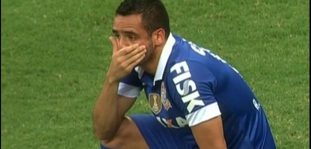 O jogador ficou fora dos dois primeiros jogos do Brasileirão
