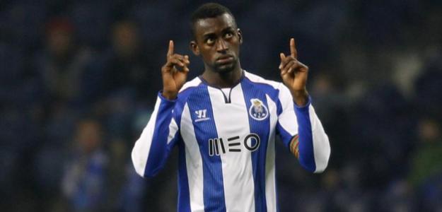 Desde 2012 no Porto, atacante está com a seleção colombiana para a Copa América