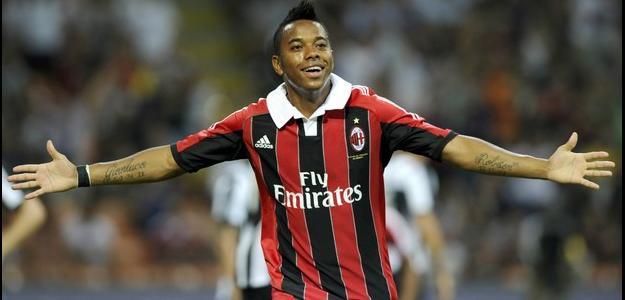 Robinho ainda está no Milan