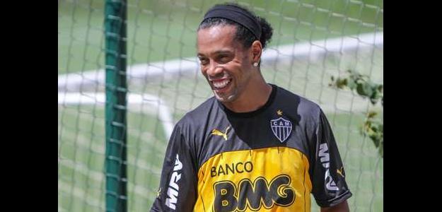 Ronaldinho Gaúcho não deixará o clube mineiro após o Mundial