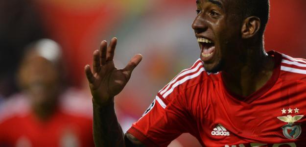 Talisca em ação pelo Benfica: baiano mais uma vez foi decisivo