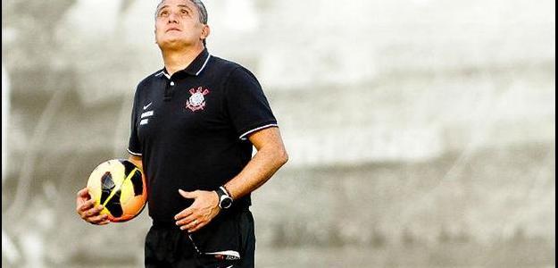 Tite criticou a 'dança das cadeiras' de técnicos no Brasil
