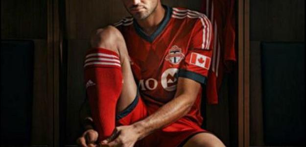 s boas atuações pela Portuguesa levaram Gilberto ao Toronto