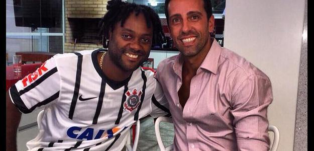 Vagner love acerta com o Corinthians