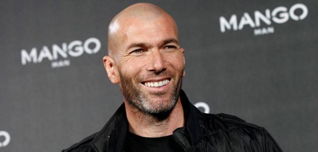 """Zidane disse que a ideia de ser treinador do Real Madrid """"Soa bem"""""""
